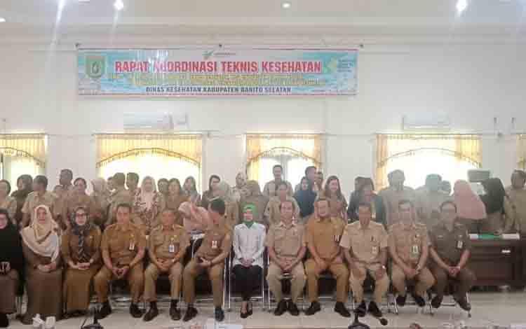 Peserta rapat koordinasi teknis Dinas Kesehatan Barito Selatan.