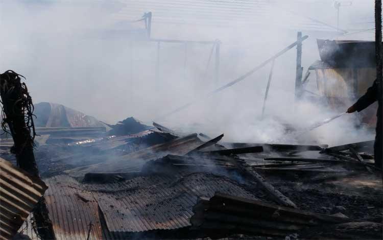 Rumah di Jalan Bukit Raya II terbakar, Senin 15 Juli 2019