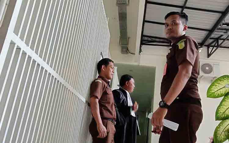 Suasana pengamanan di sel Pengadilan Negeri Sampit.