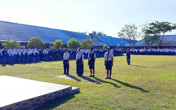Peserta didik baru SMKN 1 Kuala Kapuas ikuti Masa Pengenalan Lingkungan Sekolah
