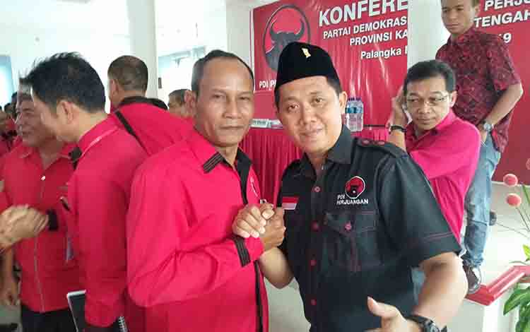 Ucapan selamat diberikan kepada Arton S Dohong seusai  Konferda PDIP, Rabu, 17 Juli 2019.