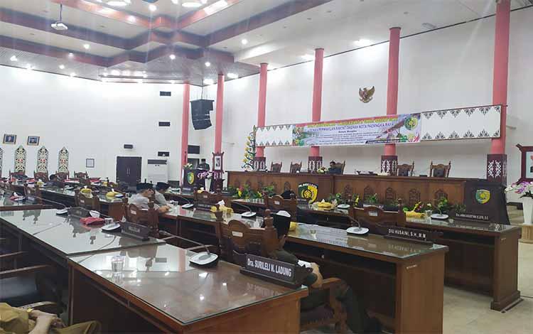 Rapat paripurna DPRD Kota Palangka Raya