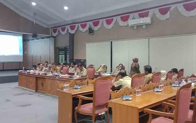 Pembahasan KUA PPAS APBD Murni 2020 di DPRD Kotim.
