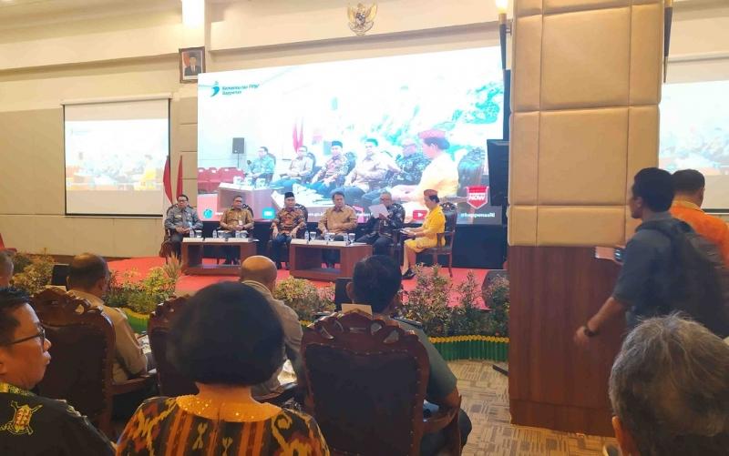 Jajaran narasumber Dialog Nasional pemindahan ibukota negara Indonesia di Palangka Raya, Jumat, 19 Juli 2019.