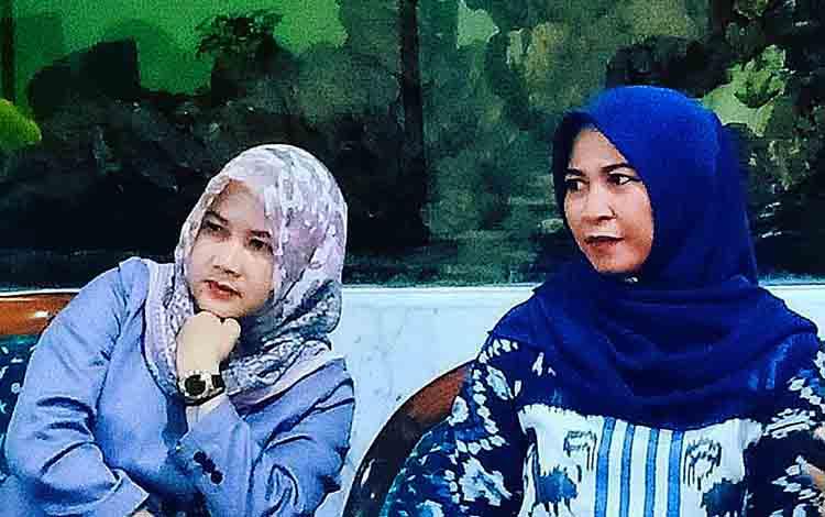 Ketua Komisi C DPRD Kota Palangka Raya, Hj Umi Mastikah (kanan).
