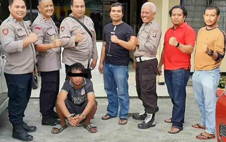 Mis alias Ka (23) saat diamankan jajaran Satreskrim Polres Barito Utara dan anggota Polsek Gunung Timang.