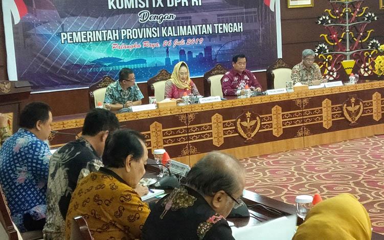 Rombongan Komisi IX DPR RI melakukan pertemuan dengan jajaran Pemerintah Provinsi Kalteng, di Palangka Raya, Jumat, 26 Juli 2019.