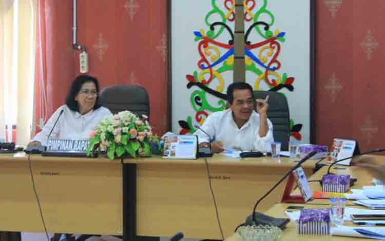 Rapat pembahasan terakhir Raperda inisiatif, Sabtu, 27 Juli 2019.