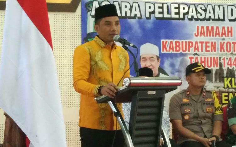 Bupati Kotim Supian Hadi, saat sambutan pada sebuah kegiatan, beberapa waktu lalu.