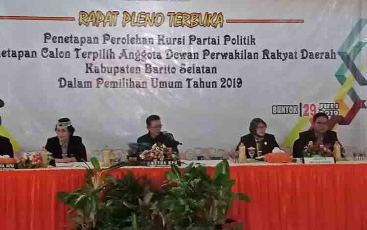 Pleno terbuka penatapan perolehan kursi dan anggota DPRD terpilih