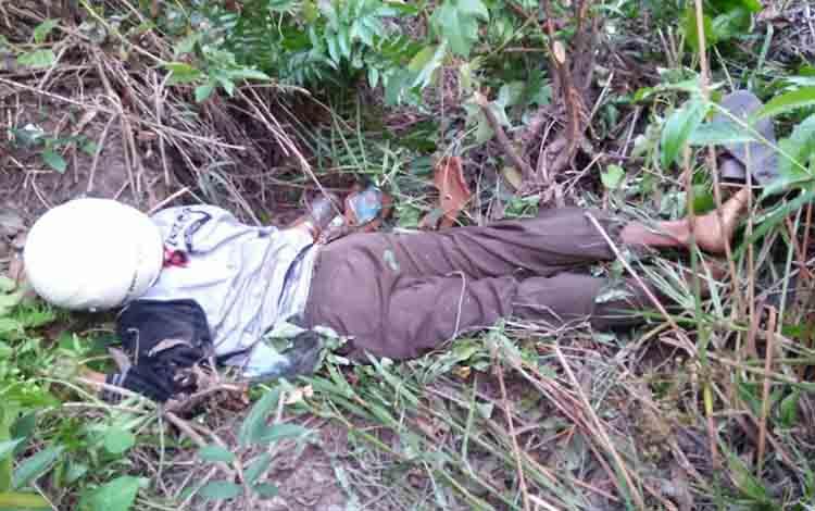 Korban kecelakan tunggal saat ditemukan tewas di bawah jembatan Lintang Batang Pelantaran, kemarin.