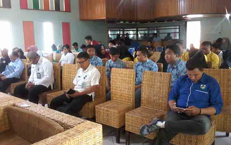 Suasana Musda KNPI Kabupaten  Katingan di Hotel Katingan.