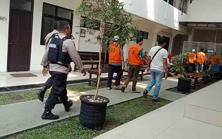 Depan sel tahanan di Pengadilan Negeri Sampit.