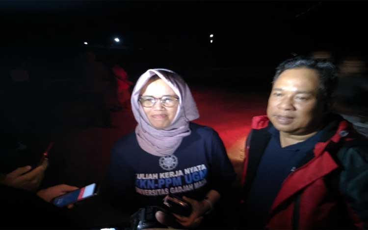 Wakil Rektor UGM, Ika Dewi Ana saat di Teluk Kaja, Senin malam, 12 Agustus 2019
