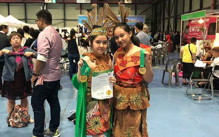Hasil gold medal peserta didik SMAN 2 Palangka Raya di ajang World Invention Creativity (WICO) di Seoul, Korea Selatan.