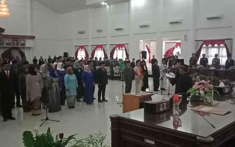 25 anggota DPRD Barsel terpilih dilantik ketua Pengadilan Negeri Buntok