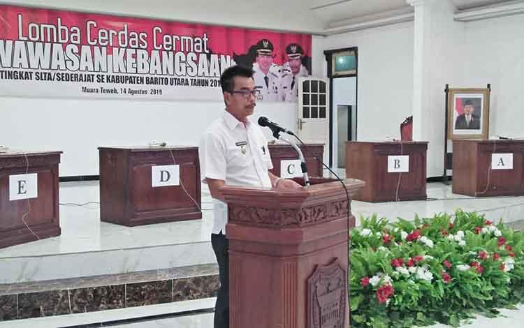 Wakil Bupati Barito Utara, Sugianto Panala Putra saat membuka lomba cerdas cermat tingkat SMA sederajat, Rabu 14 Agustus 2019