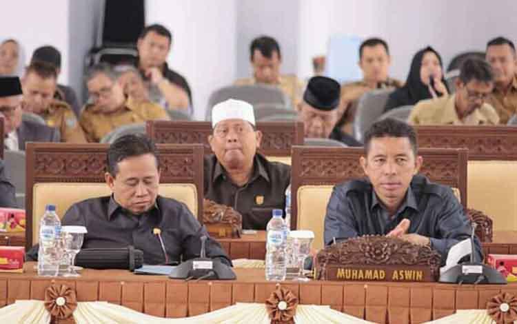 Anggota DPRD Seruyan ketika menggelar rapat, beberapa waktu lalu.