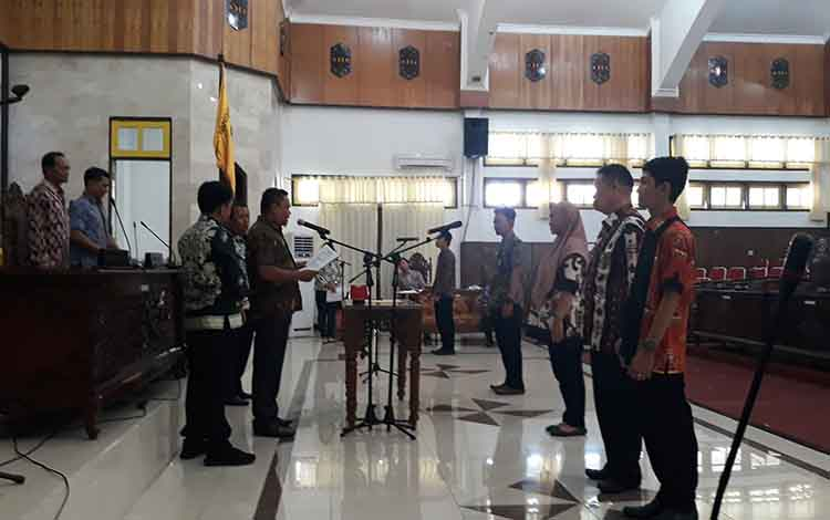 Suasana saat gladi kotor persiapan pelantikan Anggota DPRD Kapuas pada Kamis sore, 15 Agustus 2019