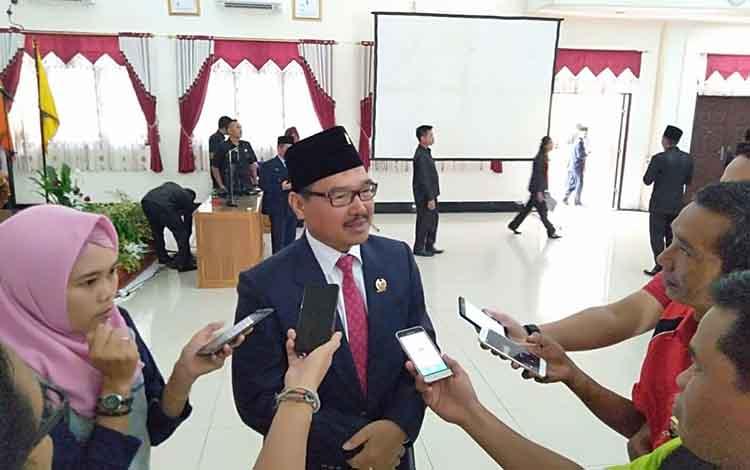 Ketua Sementara DPRD Barsel, HM Farid Yusran