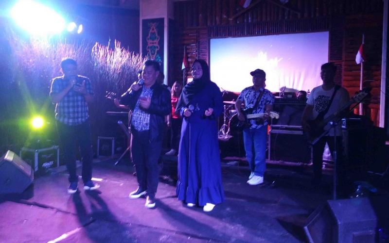 Parade Band di Museum Kayu Sampit, Senin, 19 Agustus 2019 malam.