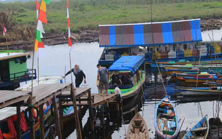 Taman wisata Kereng Bengkirai, Kota Palangka Raya.