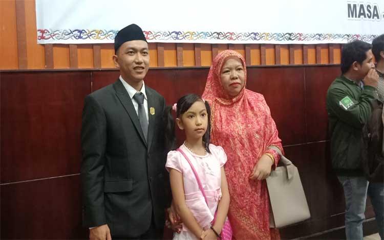 Rahmad Hidayat, Anggota DPRD Murung Raya termuda seusai dilantik, Senin, 19 Agustus 2019
