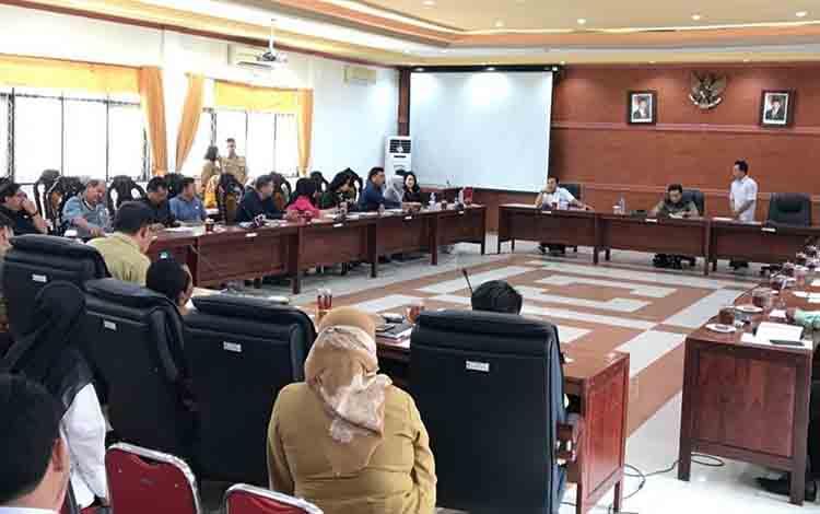 Rapat gabungan DPRD Kapuas membahas persiapan pembentukan Alat Kelengkapan Dewan, Selasa, 20 Agustus 2019.