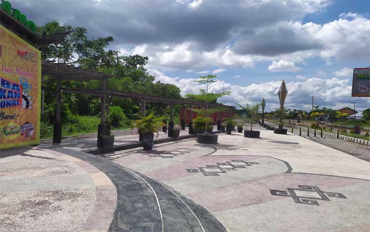 Taman kuliner Tunggal Sangomang, salah satu taman kota yang ikonik di Palangka Raya