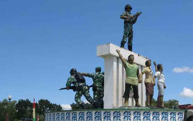 Patung Pejuang di Bundaran Besar Kota Palangka Raya, salah satu ikon provinsi Kalimantan Tengah sebagai salah satu kandidat calon Ibu Kota RI selain provinsi Kalimantan Timur.