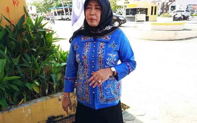 Ketua Sementara DPRD Kabupaten Barito Utara Mery Rukaini.