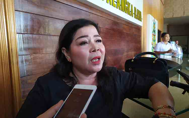 Anggota DPRD Kota Palangka Raya Nenie A Lambung.