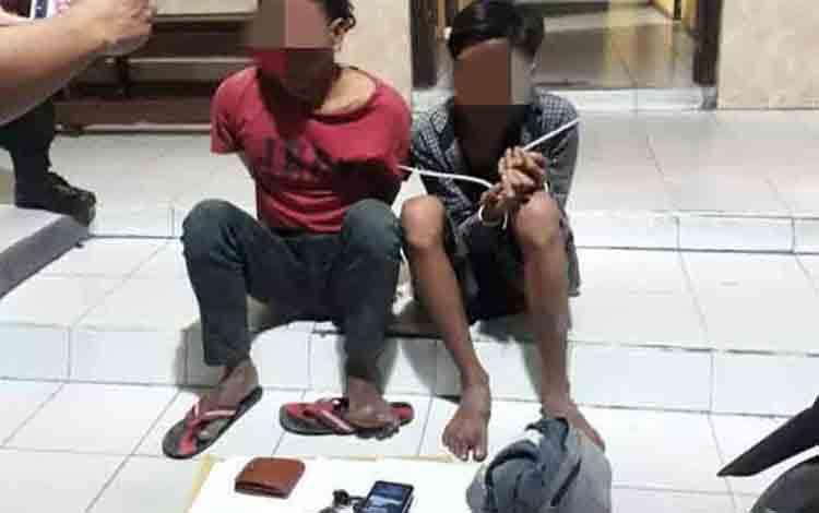 Dua terduga jambret yang masih di bawah umur ditangkap anggota Polres Kobar.