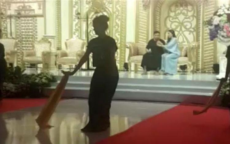 Gladi bersih resepsi pernikahan pasangan pebisnis muda Jery Borneo Putra dan Natassha Cinta Vinski