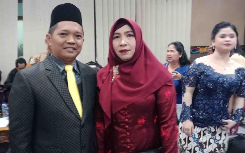 H Abdul Kadir beserta istri.