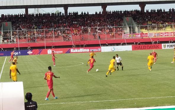 Kalteng Putra kontra Bhayangkara FC di Stadion Tuah Pahoe Palangka Raya, Minggu, 25 Agustus 2019.