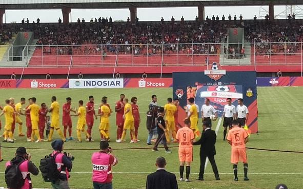 Kalteng Putra kontra Bhayangkara FC di Stadion Tuah Pahoe, Kota Palangka Raya, Minggu, 25 Agustus 2019.