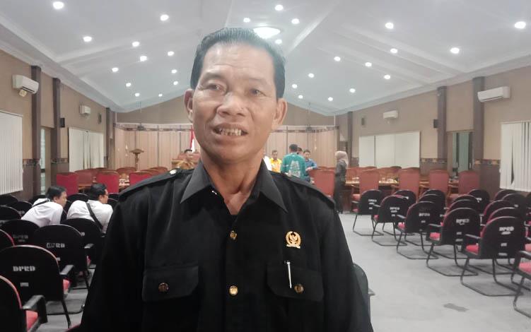 Ketua Fraksi Partai Golkar DPRD Kotawaringin Timur, Nadie