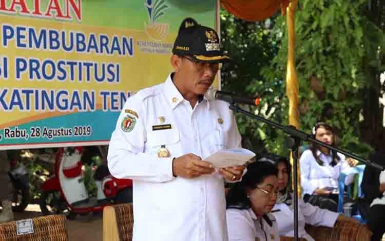 Wakil Bupati Katingan Sunardi Litang saat sosialisasi penutupan lokalisasi Bukit Tenjek, Kecamatan Katingan Tengah, Rabu, 28 Agustus 2019.