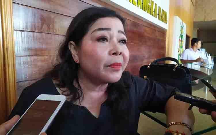 Anggota DPRD Kota Palangka Raya, Nenie A Lambung.
