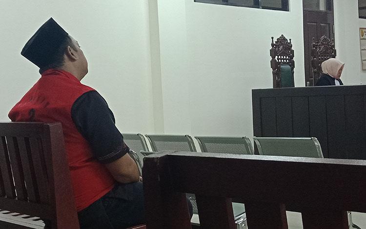 KWA sipir Lapas Kelas IIB Sampit saat di Pengadilan Negeri Sampit, Kamis, 29 Agustus 2019.
