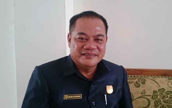 Anggota DPRD Kabupaten Gunung Mas Untung J Bangas berharap setiap kecamatan memiliki produk unggulan.