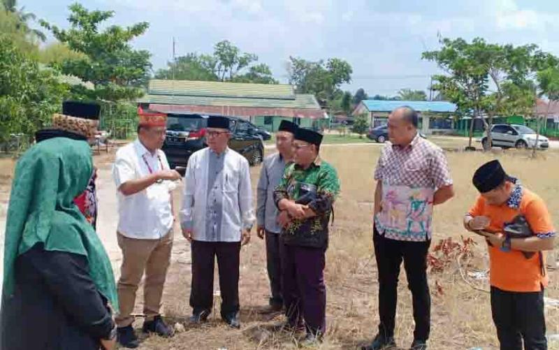 Peninjauan lokasi pembangunan Institut Teknologi dan Sain Nahdlatul Ulama Kalimantan, beberapa waktu lalu.
