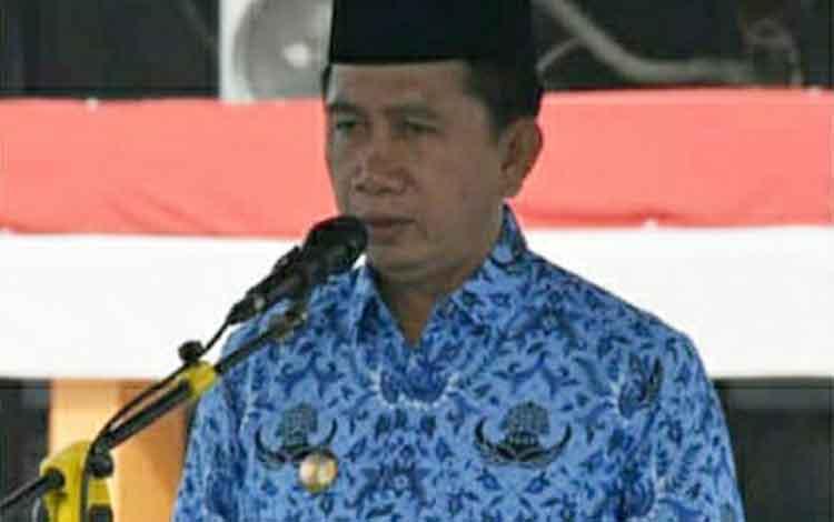 Bupati Barito Utara, H Nadalsyah menekankan masyarakat agar meningkatkan minat baca.