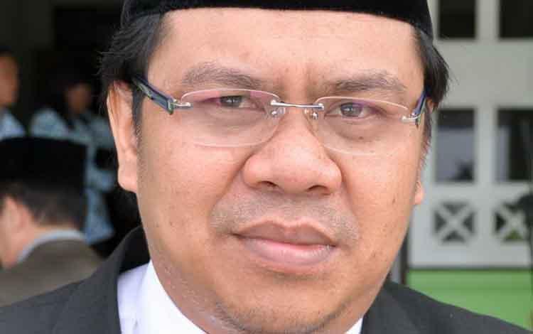 Wakil Ketua Sementara Kabupaten Pulang Pisau, Ahmad Fadly Rahman.meminta pimpinan SOPDyang tidak efektif agar dievaluasi.