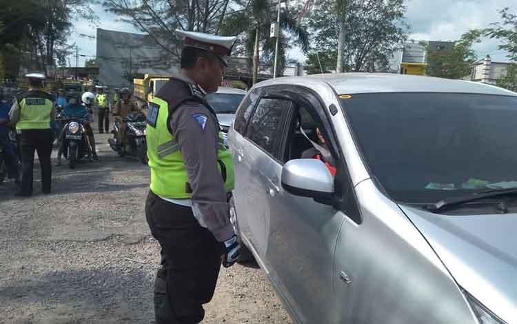 Satlantas Polres Kobar dalam Operasi Patuh Telabang terapkan sistem hunting, Selasa, 3 September 2019.