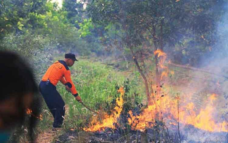 BPBD Kota Palangka Raya menggunakan anggaran tidak terduga sebesar Rp2,3 miliar untuk penanggulangan kebakaran hutan dan lahan atau karhutla.