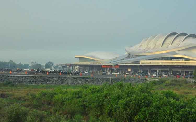 Kondisi Bandara Tjilik Riwut. Saat ini Kota Palangka Raya sedang dilanda kabut asap akibat kebakarn hutan dan lahan, namun kondisi ini belum mengganggu aktivitas penerbangan