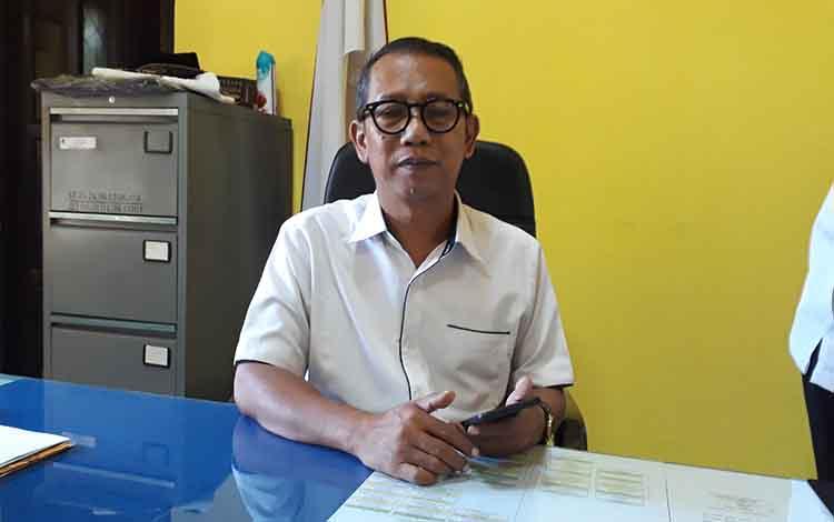 Kepala Dinas Pariwisata Kotawaringin Barat, Wahyudi memberikan keterangan kepada wartawan terkait akan digelarnya Festival Batang Arut 2019, Jumat, 6 September 2019