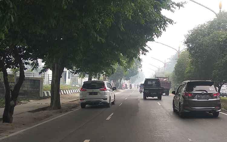 Wailayah Kota Palangka Raya diselimuti kabut asap akibat Karhutla. Saat ini kualitas udara di Palangka Raya masuk kategori tidak sehat, Jumat, 6 September 2019